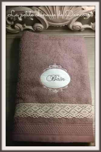 Serviette de toilette collection Romantique violine