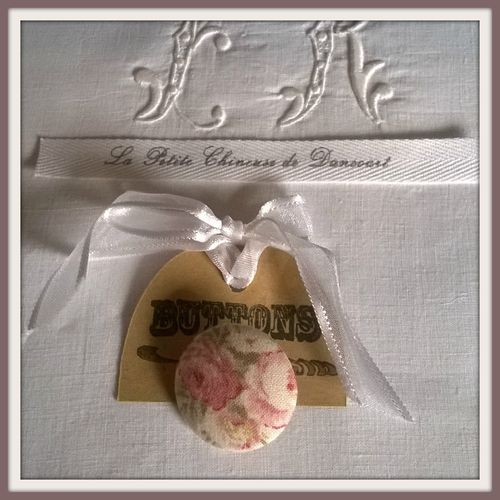 Bouton de 28mm bouquet de roses