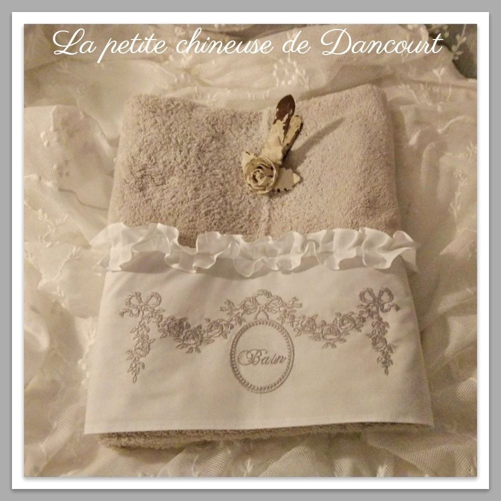 Serviette de toilette collection Marie-Antoinette gris perle