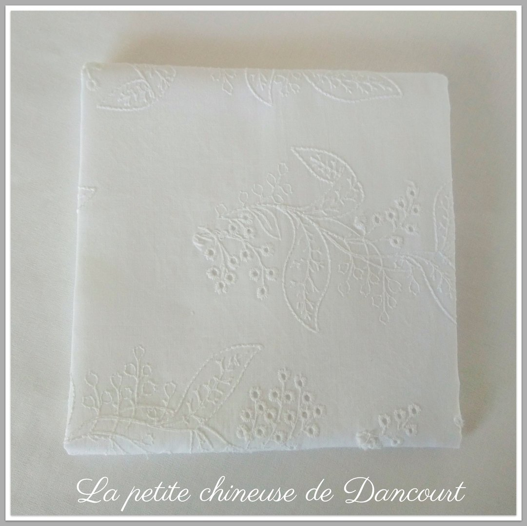 Coupon de tissus broderie Anglaise